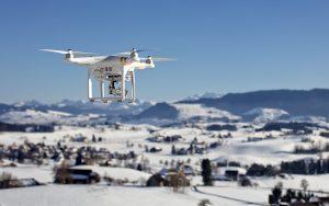camera 2572175 640 300x188 - Drone abroad