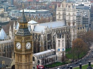 westminster abbey 615205 640 300x225 - uk drone laws