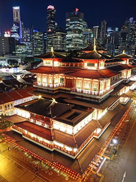 buddha tooth relic temple 2030418 640 - Drone Laws Singapore